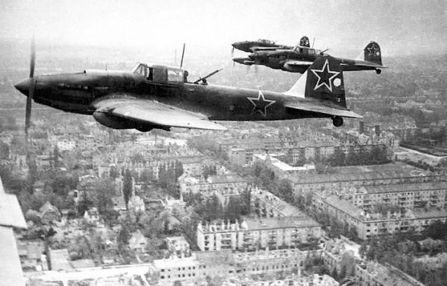 rusija avion il-2