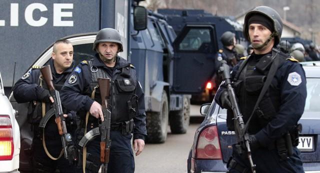 NAJNOVIJA VEST: Jedinice ROSU s 25 oklopnih vozila upale na sever Kosova – VIDEO