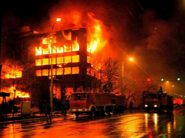 Ko je i kako organizovao raspad Jugoslavije i udare na Srbiju?