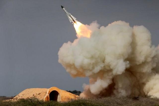 Nisu uzmakli ni Americi –  Počeće svetski rat: Iran sprema odmazdu Izraelu zbog vazdušnog napada na trupe u Damasku
