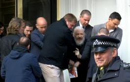 Jedan od najpoznatijih uzbunjivača u istoriji, Danijel Elzberg, svedočio je  u Londonu u korist Džulijana Asanža