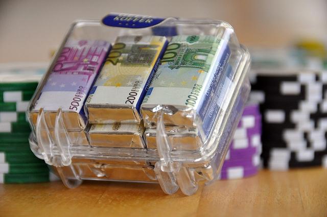 Nezapamćena količina novca zaplenjena na graničnom prelazu sa Crnom Gorom