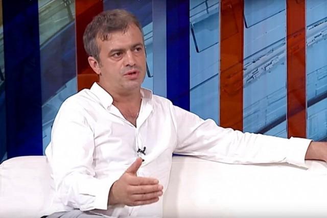 Sergej Trifunović najtežim uvredama ponizio voditeljku Oliveru Jovićević – Ona sprema tužbu