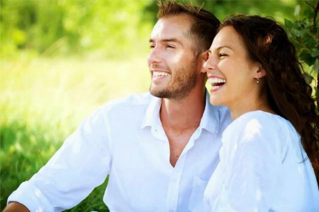 dvoje par horoskop setnja park zdravlje sreca