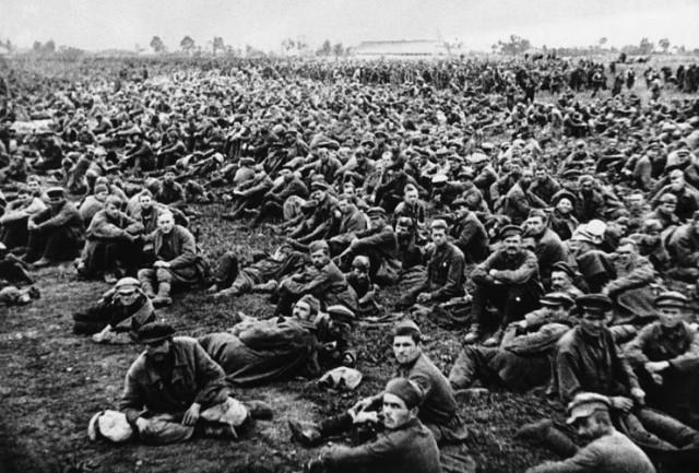 ZASTRAŠUJUĆA TAJNA: Nemačka je ostavila tri miliona sovjetskih ratnih zarobljenika da umru od gladi