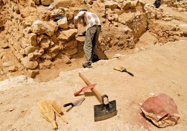 Pljačkaši arheološkog blaga pustoše Srbiju i preprodaju ga kao praalbansko