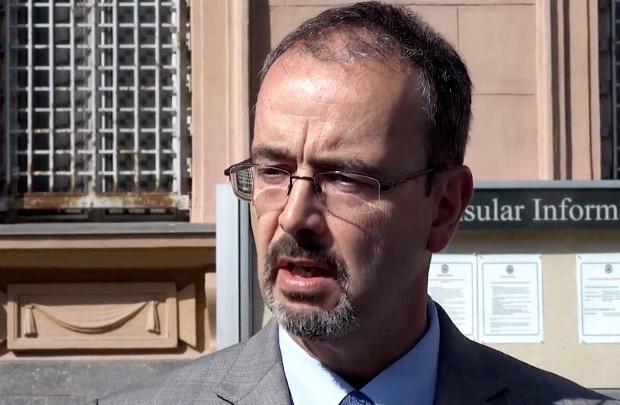"""Ambasador SAD se brine za Srbiju: """"Svi da učestvuju na izborima"""""""