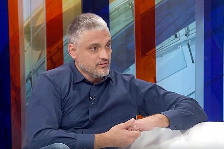 SRPSKA BASNA – Čeda: Sergej Trifunović je najveća srpska sramota …