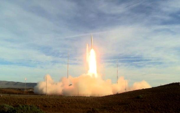 SAD lansirale raketu koja seže do Kine, Rusije i Severne Koreje