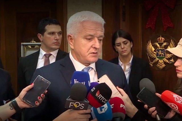 Premijer Crne Gore pozvao Amfilohija na dijalog