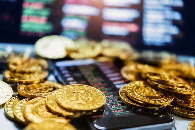 Prevara veka: Izmislila kriptovalutu, zgrnula milijarde evra i nestala