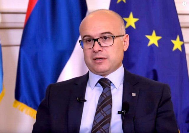 Potpredsednik SNS Miloš Vučević zvanično podneo krivičnu prijavu protiv Aleksandra Vučića i njegovog brata
