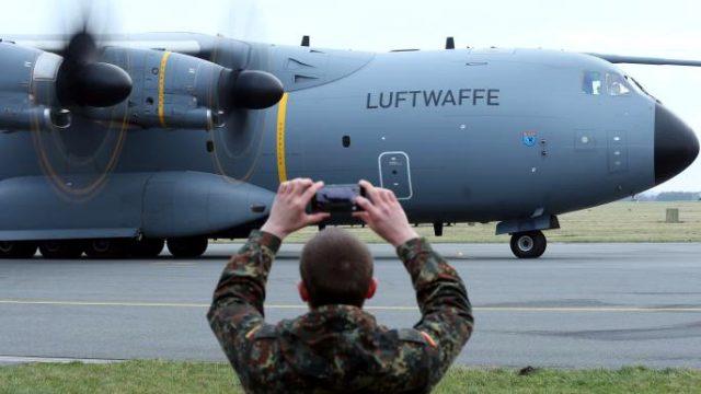 Nemci iz Kine evakuišu svoje državljane vojnim avionima – Peking očekuje paniku