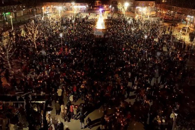Hiljade vernika na ulicama – Amfilohije: Neka padne Zakon ili Vlada