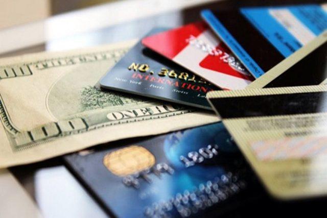 VLADARI SVETA U NEVERICI – Zavera ne napreduje kako su očekivali: Digitalno plaćanje uništilo platne kartice ALI NE I KEŠ NOVAC