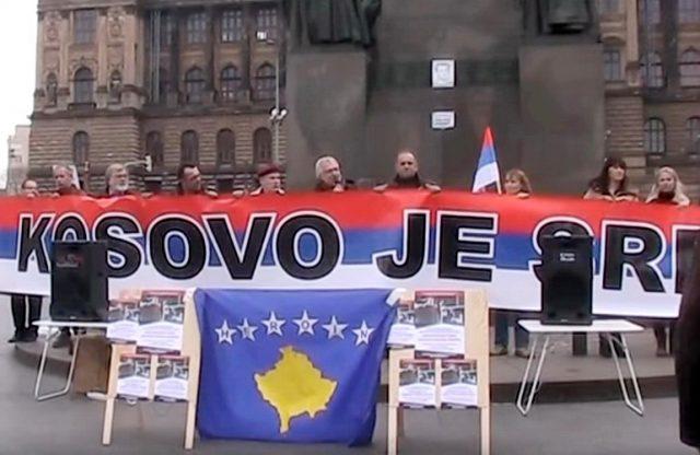 """DAJU LEKCIJE SRBIMA – Česi ne odustaju: Novi protest zbog """"krađe Kosova od Srbije"""" – FOTO"""
