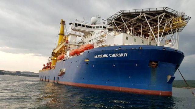"""Niko ne zna šta se događa: Ruski brod koji može da završi """"Severni tok 2"""" ima čudne rute kretanja"""
