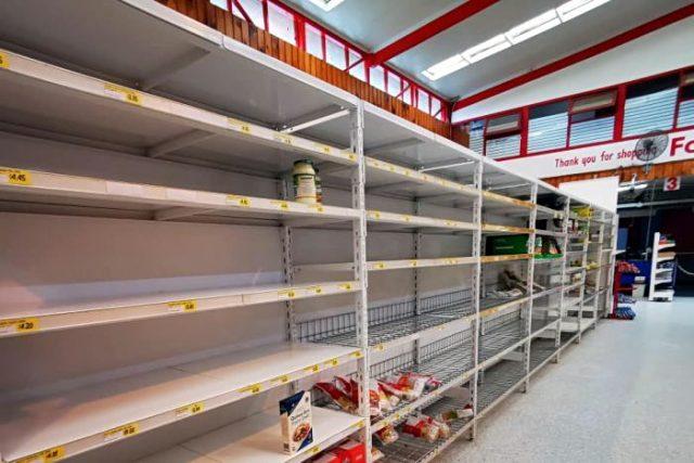 NAJNOVIJA VEST: U SAD do sada nezabeležena panika zbog koronavirusa – Masovne pljačke tržnih centara zbog hrane – ŠOK VIDEO