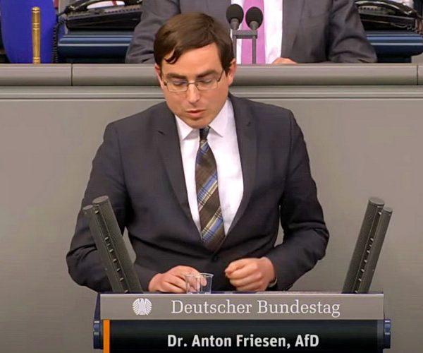 """Nemački poslanik za """"Novosti"""": To je mafijaška pseudodržava, kojom vladaju ratni zločinci"""
