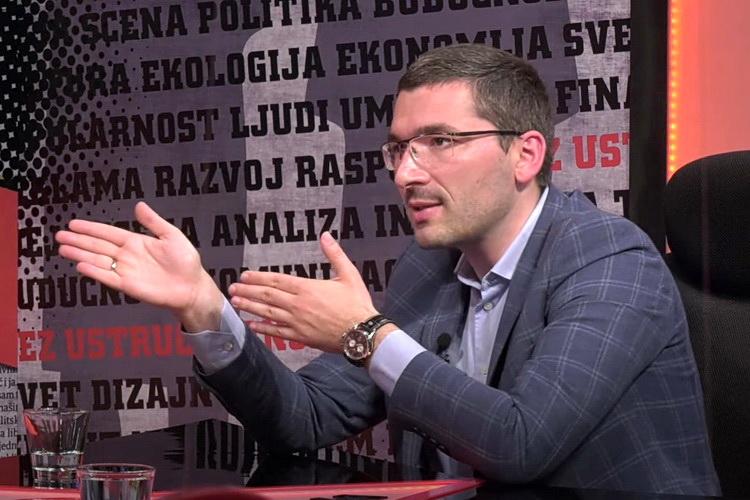 PAROVIĆ: Vučić krije da pravi novu vladu u Prištini – VIDEO