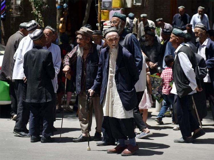 Izveštaj AP: Ujgurima turskog porekla u Kini, drakonskom represijom smanjuju natalitet