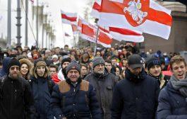 Više desetina hiljada demonstranata se kreće ka Lukašenkovoj rezidenciji