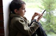 ŠOKANTAN SLUČAJ U BEOGRADU: Dečak (9) proveo 3 nedelje na telefonu i od tada vidi sve duplo – VIDEO
