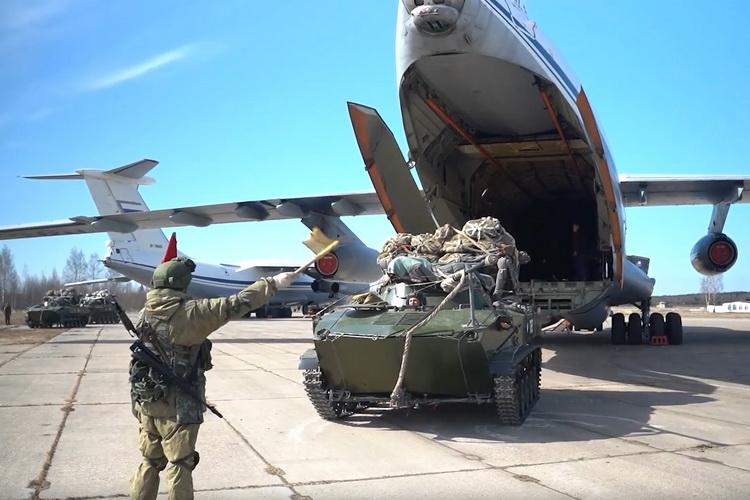 UDARNO – EU I SAD ZABRINUTI: Ruske trupe ušle u Belorusiju na granice Poljske i Litvanije