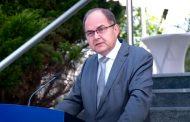 ZALUTALA: Merkelova dala podršku nelegalnom i samoproglašenom Šmitu